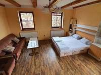 přízemí, dvoulůžkový pokoj č.2, možnost 4 lůžek - pronájem rekreačního domu Chlum u Třeboně
