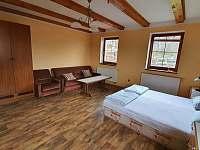přízemí, dvoulůžkový pokoj č.2, možnost 4 lůžek - rekreační dům k pronájmu Chlum u Třeboně
