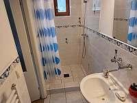 přízemí, soc. zařízení pokoje č.1 - pronájem rekreačního domu Chlum u Třeboně