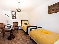 dvoulůžkový pokoj - chalupa k pronájmu Rožmberk nad Vltavou