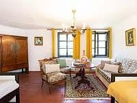 třílůžkový pokoj s přístýlkou - chalupa k pronajmutí Rožmberk nad Vltavou