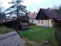 Chata Skalice Jednoty - Pohled od studánky