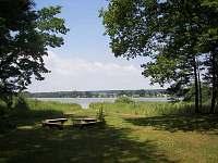 pohled z chaty na rybník