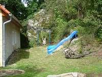 dětské hřiště - chalupa k pronájmu Hutě u Bechyně