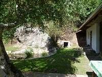 na dvorku - Hutě u Bechyně
