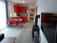 Pohled do kuchyně - chalupa k pronajmutí Lipno nad Vltavou