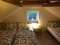 podkroví - 3 postele - chata k pronájmu Protivín