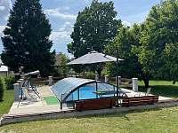 Bazén k dispozici po předchozí domluvě - vila k pronájmu Třeboň