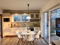 Obývací pokoj zahradní bungalov - vila k pronájmu Třeboň