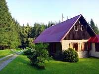 Pohled od jihozápadu - chalupa k pronajmutí Pohorská Ves