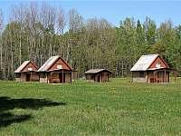 Chaty a chalupy Žárský rybník v chatkách na horách - Petříkov