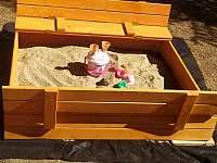 pískoviště - chata k pronájmu Lásenice