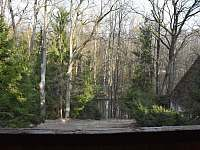 Výhled na řeku z podkrovního pokoje - pronájem chaty Lásenice