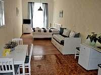 POKOJ Č.1 - apartmán k pronájmu Třeboň