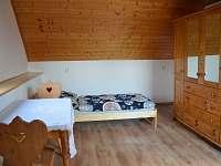 ložnice pro 2 osoby - chalupa k pronájmu Frahelž