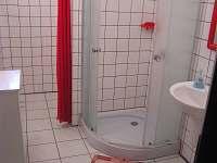 Koupelna 1 - apartmán v přízemí