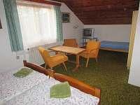2 třílůžkový pokoj