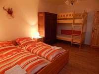 Podkrovní byt, ložnice pro 4 osoby - apartmán k pronajmutí Mojné