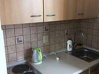 Apartmán 2 kuchyňský kout - k pronájmu Zběšice