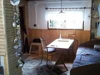 společenská místnost - chata ubytování Hutě u Bechyně