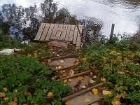 Vstup k řece - pronájem chaty Hutě u Bechyně