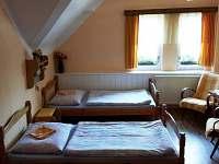 2 lůžkový pokoj podkroví - rekreační dům k pronájmu Benešov nad Černou
