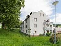 Pohled na celý dům - apartmán k pronájmu Český Krumlov