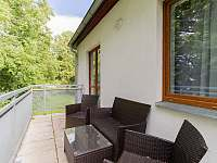 Terasa s výhledem na rybník - apartmán k pronajmutí Český Krumlov
