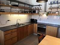 Kuchyně - pronájem chalupy Velký Pěčín