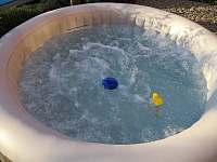 Vířivka + bazén - chalupa k pronajmutí Velký Pěčín