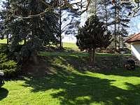 Zahrada - chalupa ubytování Velký Pěčín