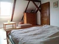 podkroví - bílá ložnice 2 - pronájem chalupy Stoječín
