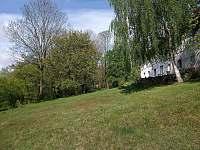 Zahrada - pronájem apartmánu Velké Skaliny