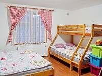 Pokoj č. 1 pro 4 osoby s dětským koutkem a postýlkou - chalupa ubytování Bělá