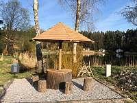 posezení u rybníka - Křemže