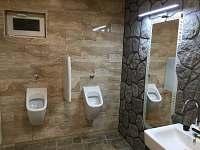 Zahradní domek - Pánské WC - Dešná