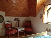 Ložnice s manželskou postelí - chata k pronájmu Kunějov