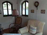 Obývací pokoj - pronájem chaty Kunějov