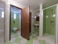 Koupelna s WC v dvoulůžkovém pokoji - Jistec