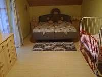 ložnice - chalupa k pronájmu Klení