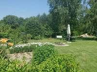 zahrada - chalupa k pronajmutí Klení