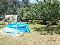 bazén - chalupa k pronájmu Hluboká u Borovan