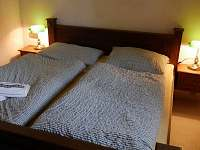1. ložnice - chata k pronajmutí Lojzovy Paseky