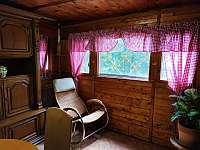 Obývací pokoj - chata k pronájmu Malý Ratmírov