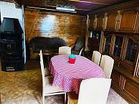 Obývací pokoj - chata k pronajmutí Malý Ratmírov