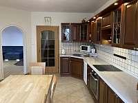 Kuchyně - pronájem chalupy Holubovská Bašta