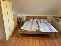 Ložnice 1 - pronájem chalupy Holubovská Bašta