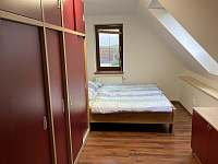 Ložnice 2 - chalupa k pronajmutí Holubovská Bašta