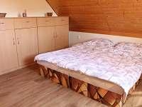 Největší pokoj pro 4 osoby - chata k pronájmu Soběslav - Švadlačky