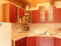 Prostorná vybavená kuchyň